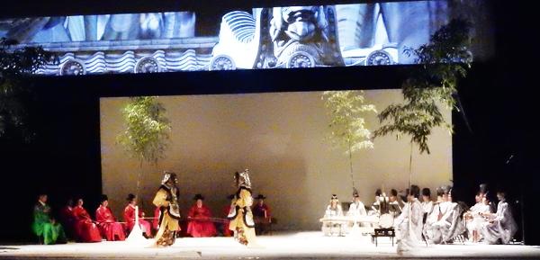韓国の伝統音楽と日本の雅楽の前で踊る舞楽 (Cultural News Photo)