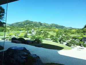 足立美術館の日本庭園 (半田俊夫・撮影)