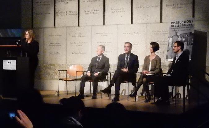 全米日系人博物館の記者会見に参加した(左から)Ann Burroughts館長代行、俳優ジョージ・タケイさん、エリック・ガルセッティー・ロサンゼルス市長、Gerun Rileyブロード財団理事長、Matthew Stifflerさん(アラブ系アメリカ人全米博物館)。Cultural News Photo)