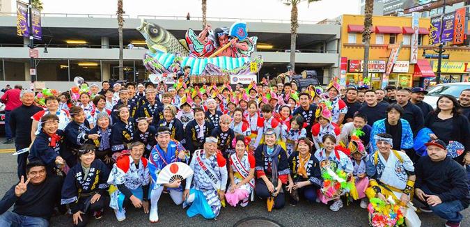 2017年11月26日、ハリウッド・クリスマス・パレードに出陣するLAねぶたメンバー (写真提供=LA Nebuta)