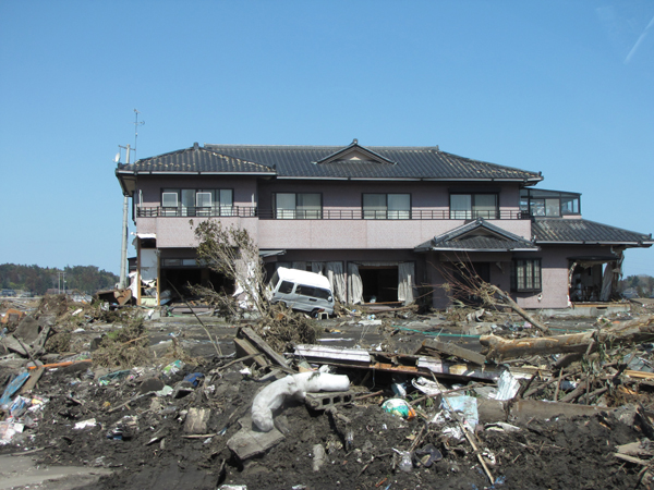 Minami Soma luxurious house in heap of rubble